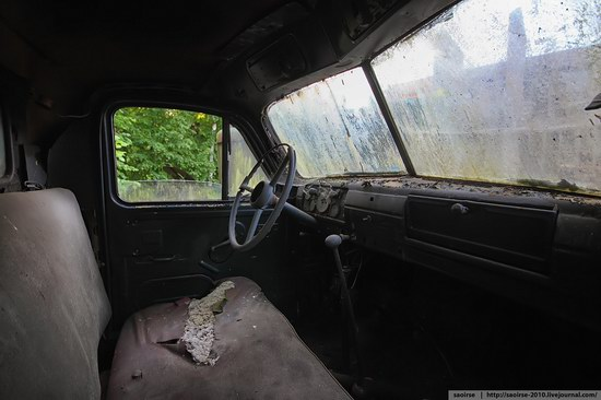 Abandoned Summer Camp with Retro Cars, Moscow region, Russia photo 7