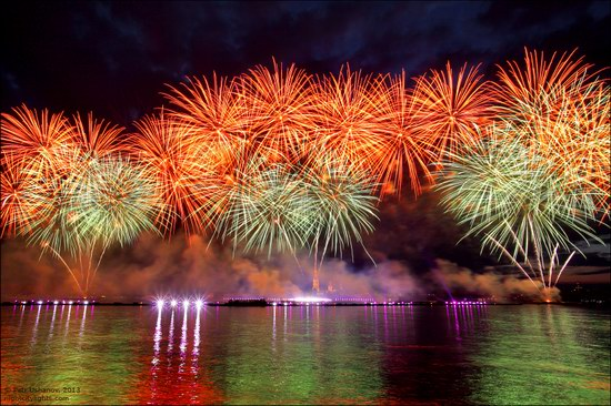 Alye Parusa pyrotechnic show, St. Petersburg, Russia photo 10