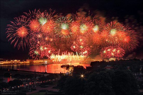 Alye Parusa pyrotechnic show, St. Petersburg, Russia photo 11