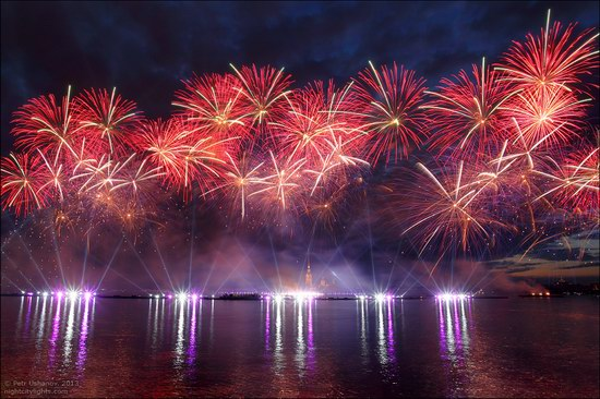 Alye Parusa pyrotechnic show, St. Petersburg, Russia photo 12