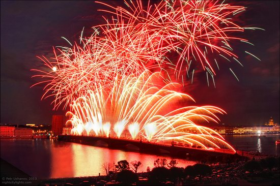 Alye Parusa pyrotechnic show, St. Petersburg, Russia photo 13