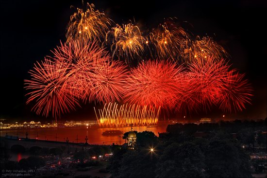 Alye Parusa pyrotechnic show, St. Petersburg, Russia photo 15