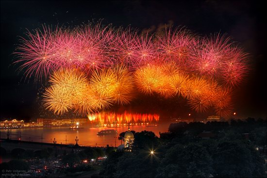Alye Parusa pyrotechnic show, St. Petersburg, Russia photo 16