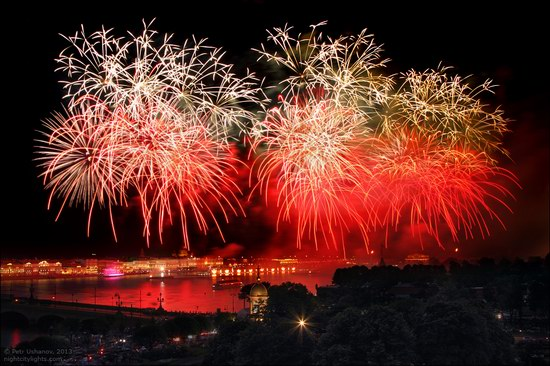 Alye Parusa pyrotechnic show, St. Petersburg, Russia photo 17