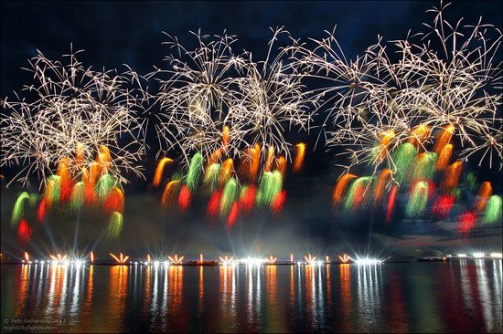 Alye Parusa pyrotechnic show, St. Petersburg, Russia photo 18