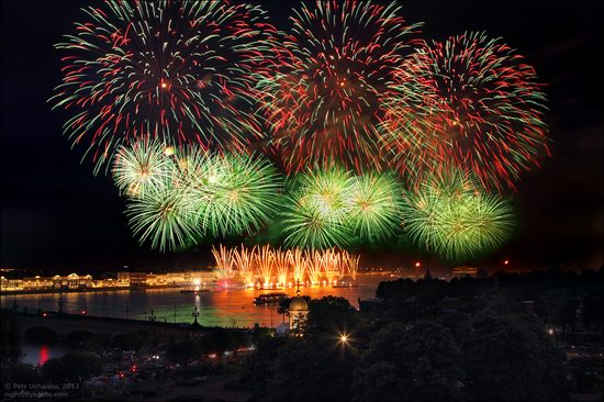 Alye Parusa pyrotechnic show, St. Petersburg, Russia photo 20