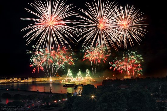 Alye Parusa pyrotechnic show, St. Petersburg, Russia photo 21