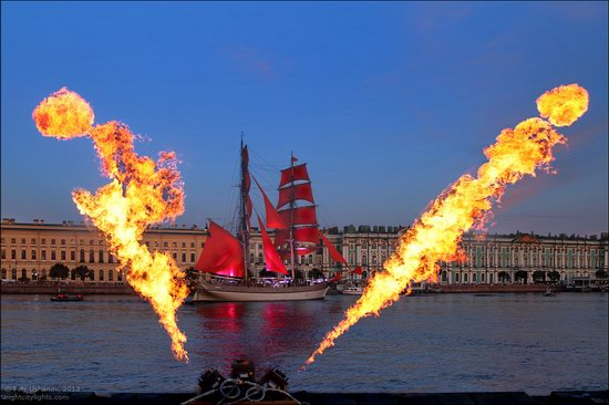 Alye Parusa pyrotechnic show, St. Petersburg, Russia photo 5