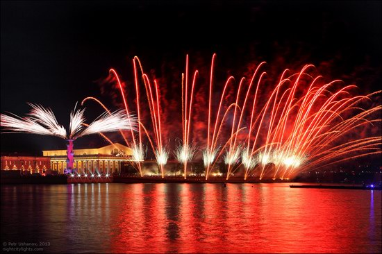 Alye Parusa pyrotechnic show, St. Petersburg, Russia photo 6