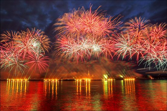 Alye Parusa pyrotechnic show, St. Petersburg, Russia photo 7