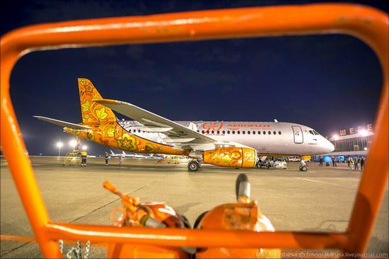 Plane painted in Khokhloma style, Aeroflot, Russia photo 3