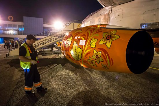 Plane painted in Khokhloma style, Aeroflot, Russia photo 5