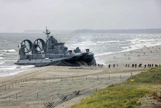 Zubr military hovercraft, Russia