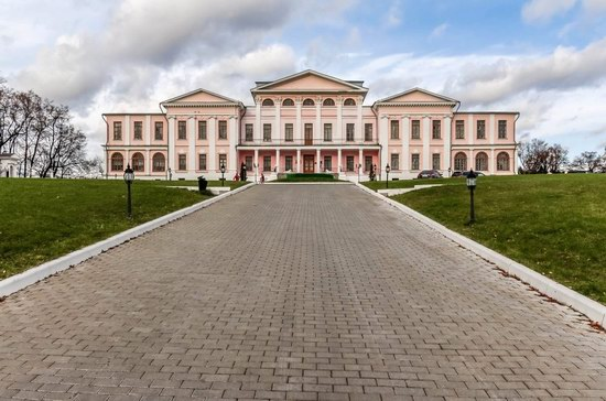 Unique Baroque Church in the Dubrovitsy Estate, Podolsk, Russia photo 2