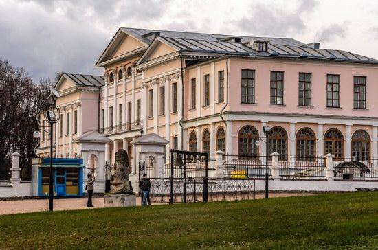 Unique Baroque Church in the Dubrovitsy Estate, Podolsk, Russia photo 3