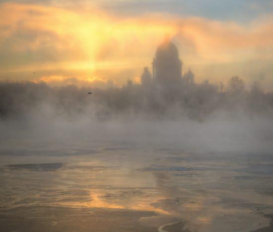 Saint Petersburg - the land of cloud castles