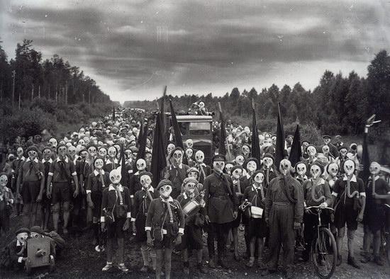 Leningrad pioneers after alarm, 1937, USSR