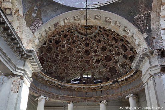 Abandoned church, Pyatino village, Russia, photo 10