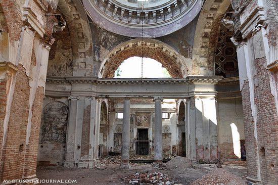 Abandoned church, Pyatino village, Russia, photo 13