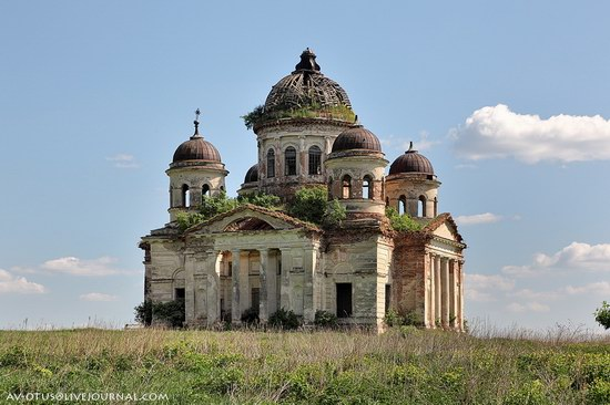 Abandoned church, Pyatino village, Russia, photo 2