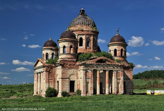 Abandoned church, Pyatino village, Russia, photo 3