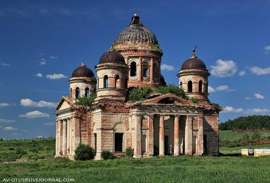 Abandoned church, Pyatino village, Russia, photo 3