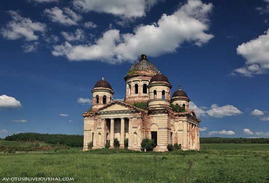 Abandoned church, Pyatino village, Russia, photo 4