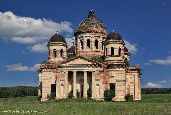 Abandoned church, Pyatino village, Russia, photo 5