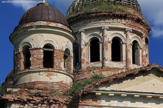 Abandoned church, Pyatino village, Russia, photo 6