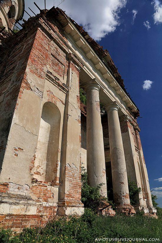 Abandoned church, Pyatino village, Russia, photo 7