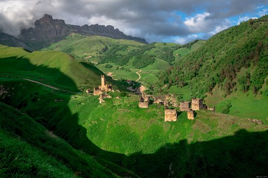 Majestic landscapes of the mountain Ingushetia, Russia, photo 11