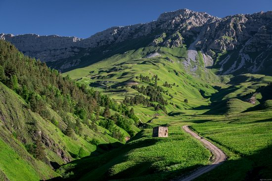 Majestic landscapes of the mountain Ingushetia, Russia, photo 14