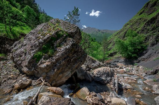 Majestic landscapes of the mountain Ingushetia, Russia, photo 15