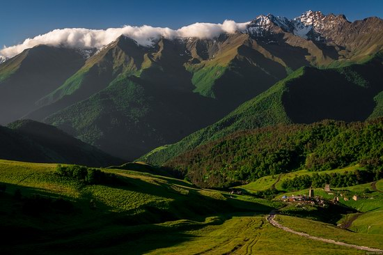 Majestic landscapes of the mountain Ingushetia, Russia, photo 3