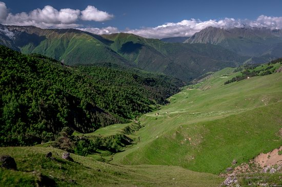 Majestic landscapes of the mountain Ingushetia, Russia, photo 4