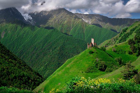 Majestic landscapes of the mountain Ingushetia, Russia, photo 8