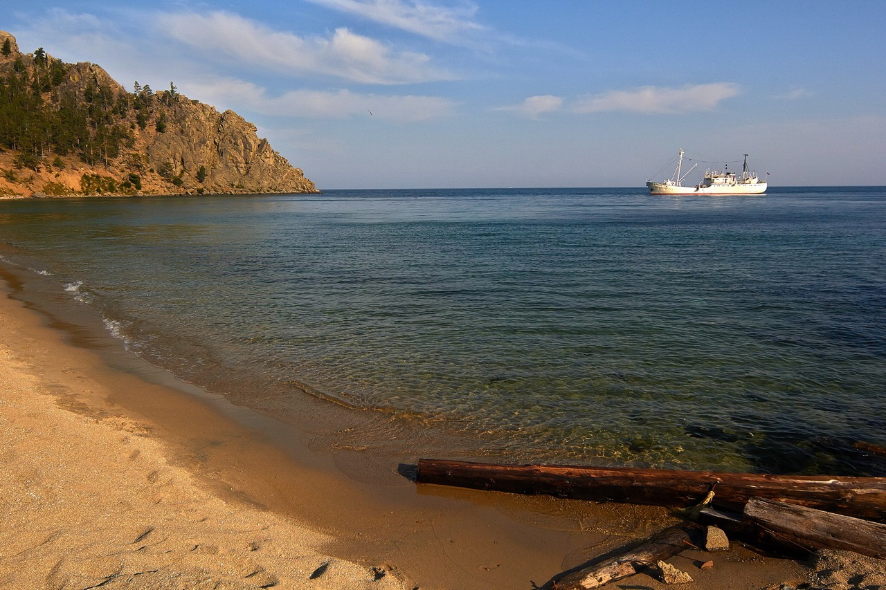 peschanaya bay  u2013 a beautiful place on baikal lake  u00b7 russia