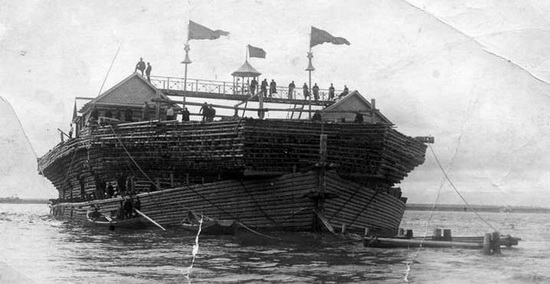 Belyana - giant wooden ship, Russia, photo 7