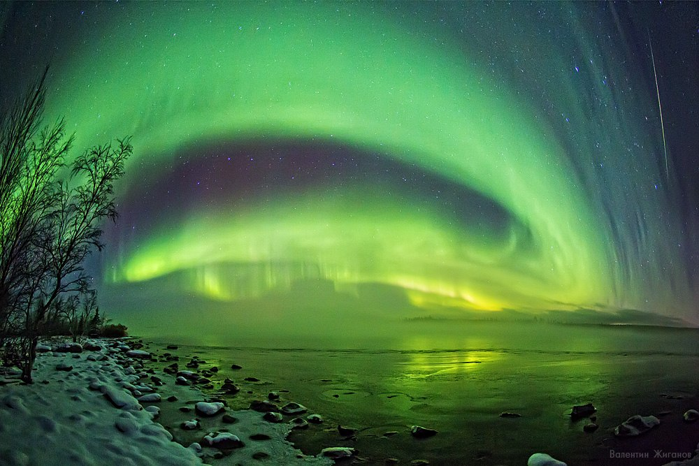 Northern lights in the sky over Murmansk region · Russia travel blog