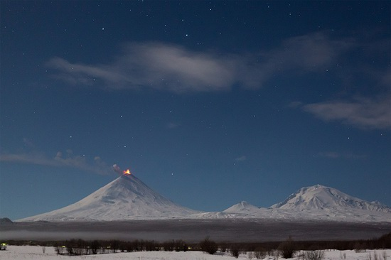 Klyuchevskaya Sopka volcano eruption, Kamchatka, Russia, photo 2