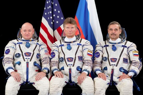 Soyuz TMA-16M crew