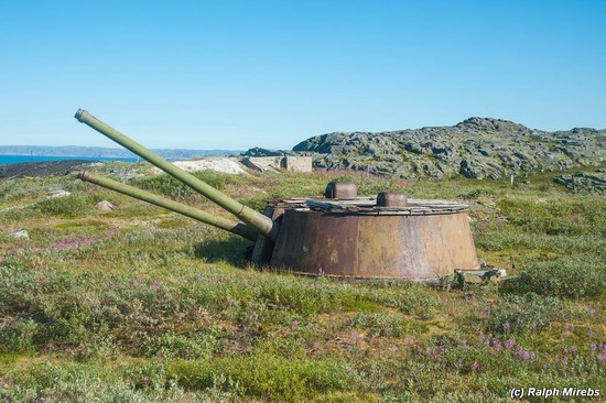 Abandoned coastal battery, Kola Peninsula, Russia, photo 1
