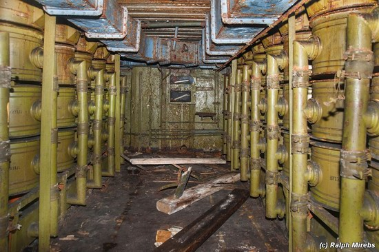 Abandoned coastal battery, Kola Peninsula, Russia, photo 8