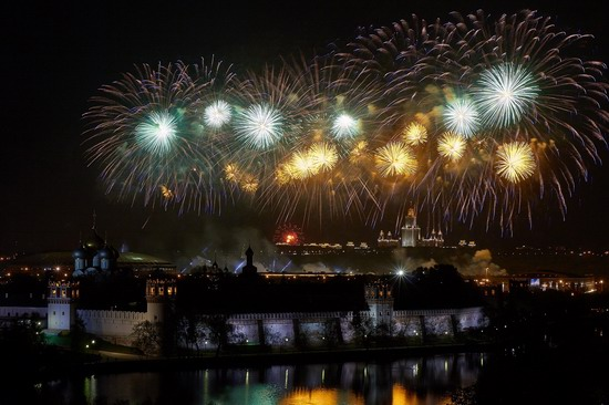 Fireworks on Victory Day in Moscow, Russia, photo 7