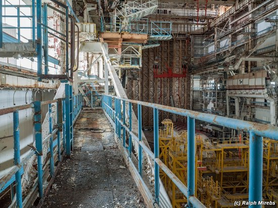 Abandoned spaceships Energy-Buran, Baikonur cosmodrome, photo 11