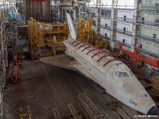 Abandoned spaceships Energy-Buran, Baikonur cosmodrome, photo 12