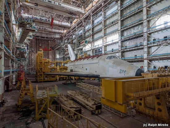 Abandoned spaceships Energy-Buran, Baikonur cosmodrome, photo 13