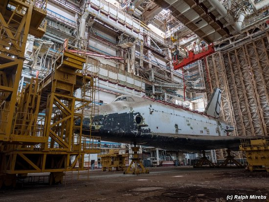 Abandoned spaceships Energy-Buran, Baikonur cosmodrome, photo 15