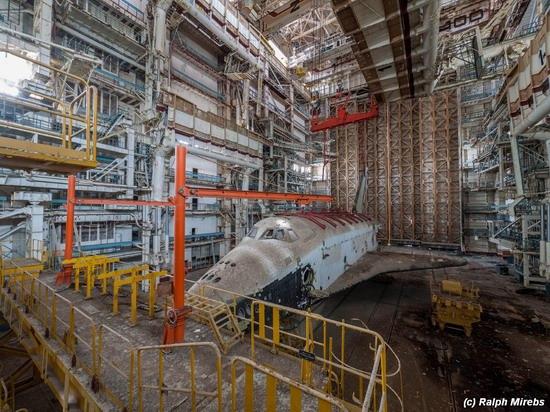 Abandoned spaceships Energy-Buran, Baikonur cosmodrome, photo 16