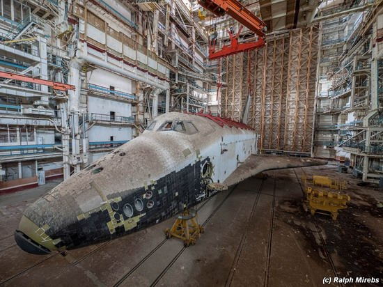 Abandoned spaceships Energy-Buran, Baikonur cosmodrome, photo 18